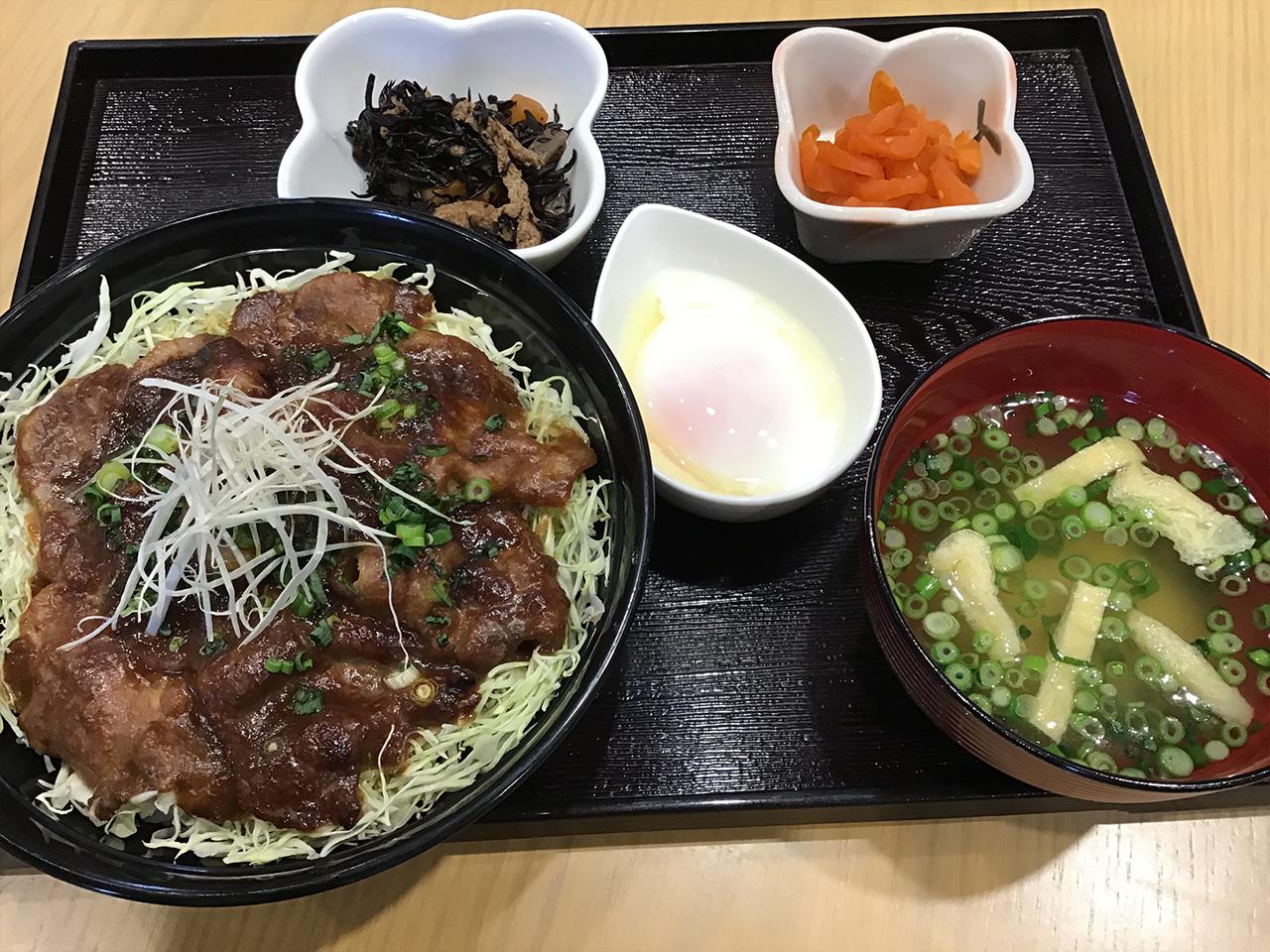 西郷さんが愛した丼「樋脇のせごどん」 830円