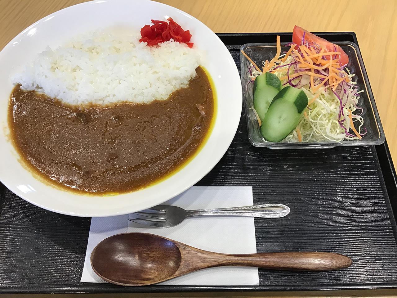 カレー(中辛・甘口) 600円